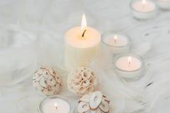 Vela blanca de la palma con la decoración natural para el balneario Fotos de archivo libres de regalías