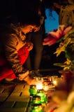A vela da ação da memória em honra de Victory Day na guerra mundial 2 pode 9, 2016 na região de Kaluga em Rússia Fotos de Stock