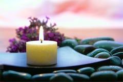 Vela de Aromatherapy em uns termas Imagens de Stock