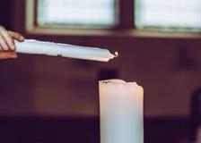 Vela de la iluminación Foto de archivo libre de regalías