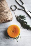 Vela de la Navidad, decoración, Año Nuevo, decoraciones, naturales Foto de archivo