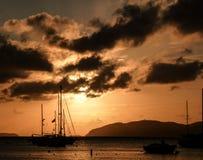Vela de la puesta del sol Fotografía de archivo
