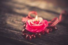 Vela, decoración del día de tarjeta del día de San Valentín Fotografía de archivo