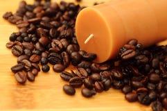 Vela del Aromatherapy con olor del café Foto de archivo