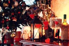 Vela del corazón de la tarjeta del día de San Valentín del cristal de botellas de vino Imagenes de archivo