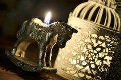Vela del ` s del Año Nuevo bajo la forma de caballo Fotos de archivo