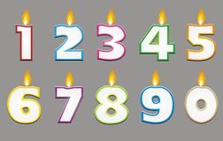 Vela do aniversário com esboço colorido Fotografia de Stock Royalty Free
