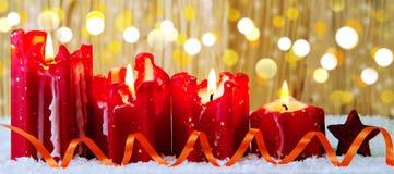 Vela do Natal de quatro vermelhos para o advento Imagens de Stock Royalty Free
