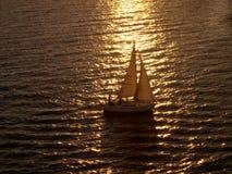 Vela do por do sol fotografia de stock royalty free