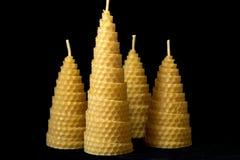 Vela hecha del primer de la cera de la abeja Imagen de archivo libre de regalías