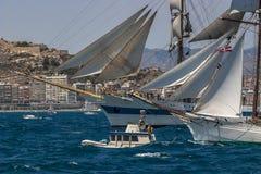 Vela llena Alicante de la nave alta imagenes de archivo