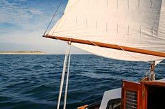 Vela mestra de uma embarcação de navigação clássica, passando o vlieland Imagem de Stock
