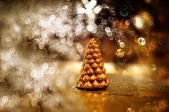 Vela pequena da árvore de Natal do ouro Imagens de Stock Royalty Free