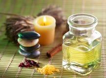 Vela, petróleo del masaje y otro Fotos de archivo libres de regalías