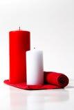 Vela roja y blanca encendido Imagen de archivo