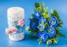 Vela y flores de la boda Imágenes de archivo libres de regalías