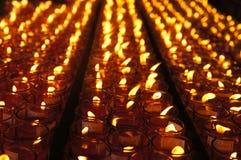 Velas afortunadas vermelhas para orações Fotografia de Stock Royalty Free