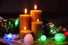 Velas ardiendo de Navidad Fotografía de archivo libre de regalías