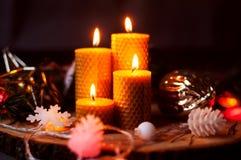 Velas ardiendo de Navidad Foto de archivo libre de regalías