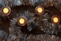 Velas ardientes de la Navidad foto de archivo libre de regalías