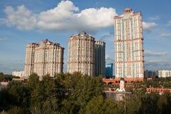 Velas complejas residenciales del escarlata Fotografía de archivo