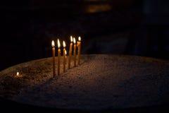 Velas de la iglesia imágenes de archivo libres de regalías