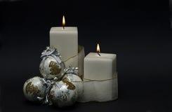 Velas de la Navidad blanca. Imagenes de archivo