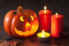 Velas de las arañas de la calabaza de la linterna de Halloween Jack O Fotografía de archivo