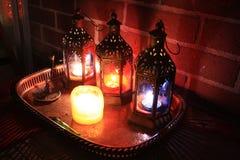 Velas de las linternas n de la decoración de Boho Fotos de archivo