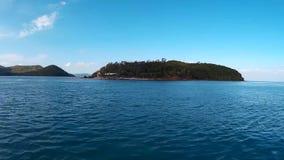 Velas de um barco da velocidade à ilha filme