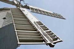 Velas de um moinho de vento fotos de stock