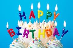 Velas del feliz cumpleaños fotos de archivo libres de regalías