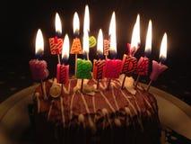 Velas do feliz aniversario do bolo Foto de Stock Royalty Free