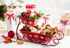 Velas do Natal da tabela decoration fotografia de stock