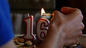 Velas do winth do bolo de aniversário video estoque