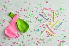 Velas dos balões e do aniversário Imagem de Stock