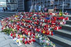 Velas em Kaiser Wilhelm Memorial Church em Berlim, Alemanha Foto de Stock