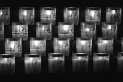 Velas en la catedral de Notre Dame de Paris Fotos de archivo