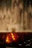 Velas en una catedral Fotografía de archivo libre de regalías