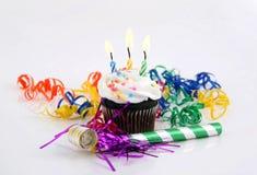 Velas en una torta Imágenes de archivo libres de regalías
