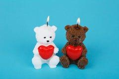Velas hechas a mano coloridas en la forma del peluche-oso Foto de archivo libre de regalías