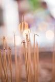 Velas ligeras para la adoración budista Buda Imagen de archivo libre de regalías