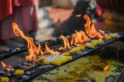 Velas para el ritual de Buda Imagen de archivo libre de regalías