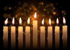 Velas realísticas do vetor do Hanukkah sobre o fundo do bokeh Criado com a malha do inclinação Imagens de Stock Royalty Free