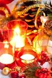 Velas y decoraciones de Cristmas Foto de archivo libre de regalías