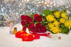 Velas y rosas Fotografía de archivo libre de regalías