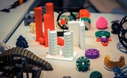 Vele abstracte modellen die door 3d printerclose-up worden gedrukt Royalty-vrije Stock Foto's