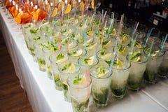 Vele cocktails bij een partij Royalty-vrije Stock Fotografie