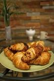 Vele Croissanten op een Plaat Royalty-vrije Stock Foto's