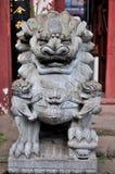 In vele delen van China hebben de steenleeuwen Stock Fotografie